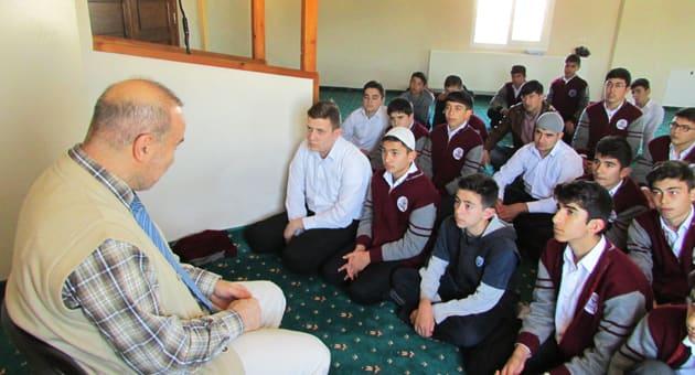 Mehmet Kandemir Öğrencilerle Sohbet Gerçekleştirdi
