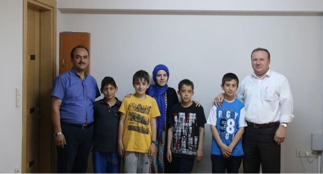 Sağdan; Halil Taşcı, Mehmet Akif Doğan, Mehmet Yıldırım, Şule Demir, Fatih Şenol, Bünyamin Satık, Hasan Akburak